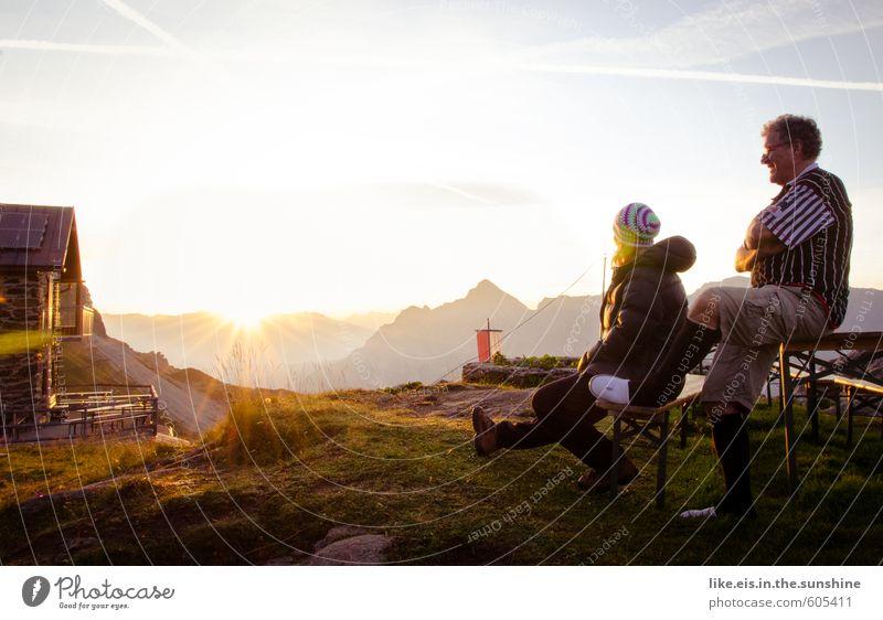 einfach mal raus. Mensch Frau Natur Jugendliche Ferien & Urlaub & Reisen Mann Sommer Junge Frau Landschaft Freude Ferne Erwachsene Berge u. Gebirge Leben