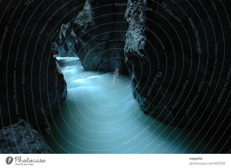 Partnachklamm Wasser Bach mystisch Schlucht Berge u. Gebirge