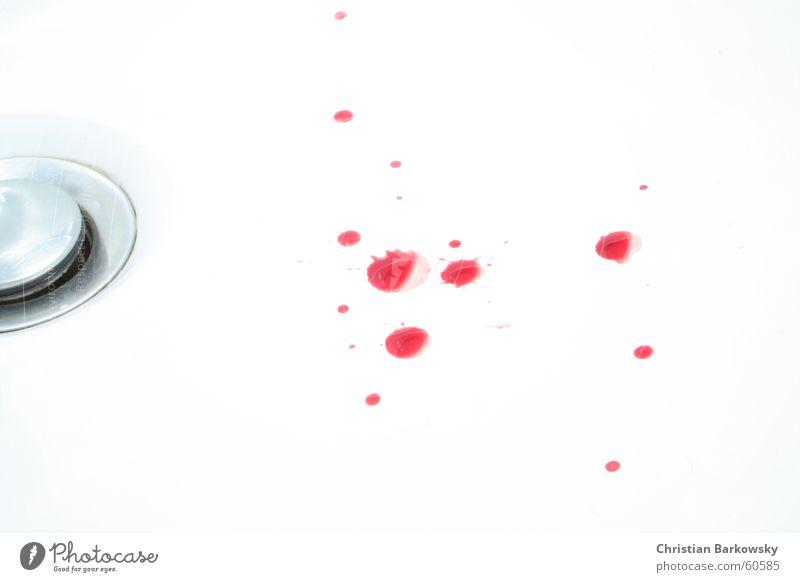 Blood drops .. weiß Blut Waschbecken Blutrausch Innenaufnahme Stöpsel Wassertropfen