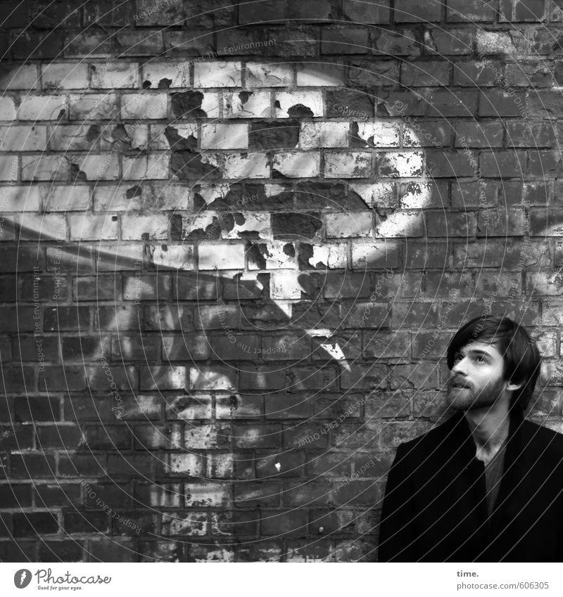 Textfreiraum | create an idea Mensch maskulin 1 Mauer Wand Haare & Frisuren Vollbart Stein Backstein Graffiti Sprechblase sprechen Blick dreckig hässlich kaputt