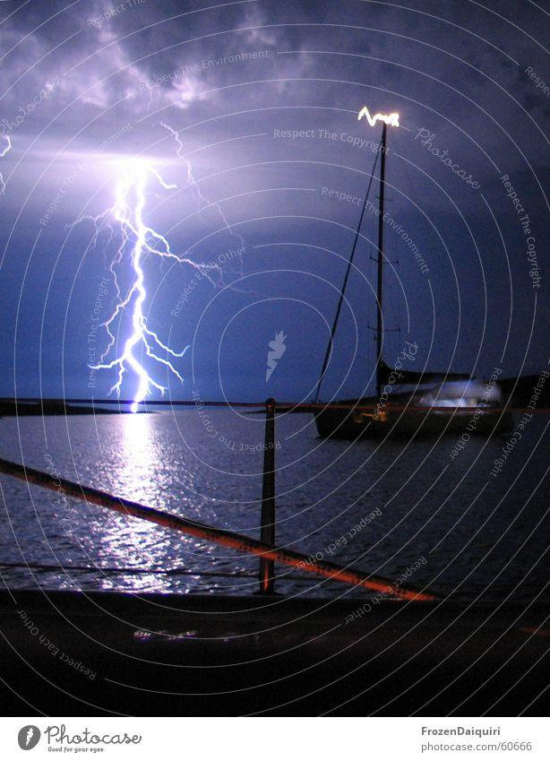Flashing Sea No. 2 cutted Himmel Meer Wolken Blitze Segeln Gewitter Lichtspiel Kroatien