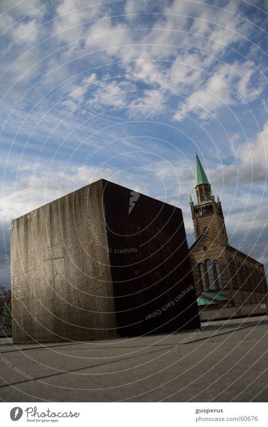 the big cube... Quader Geometrie Bauwerk Wolken Stahl Beton Gotik schlechtes Wetter Licht Quadrat Himmel mies van der rohe Religion & Glaube Sonne modern blau