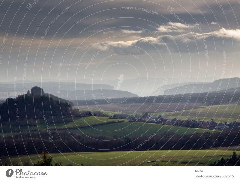 Zirkelstein, Sächsische Schweiz Umwelt Natur Landschaft Himmel Wolken Horizont Feld Wald Hügel Felsen Berge u. Gebirge Gipfel Erholung Blick wandern Perspektive