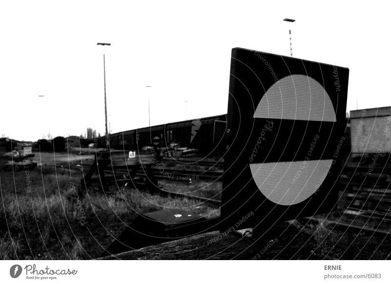 Trainstyle II alt weiß schwarz Schilder & Markierungen Eisenbahn Industrie historisch Bahnhof Strommast