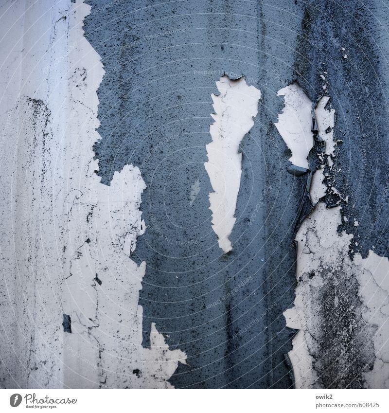 Nichts geht meer Metall alt nah trashig trist Verfall Vergänglichkeit Zerstörung Barriere Blech Wand Farbstoff Farbe abblättern verfallen Abnutzung Schaden