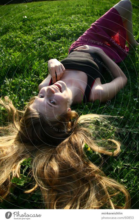 field of flowers II (orginal) Hand grün weiß schön rot Blume Freude schwarz Wiese Gras Haare & Frisuren lachen blond liegen Fröhlichkeit schlafen