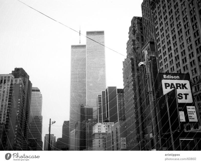 NY-WT Ferien & Urlaub & Reisen Haus Wolken Straße Park Hochhaus USA New York City Manhattan World Trade Center