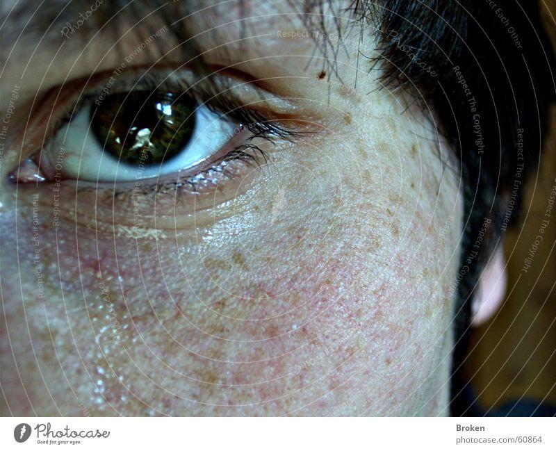 feeling blue Trauer Wimpern intensiv Auge Traurigkeit Tränen Gesicht Haare & Frisuren Kopf Nahaufnahme Haut Makroaufnahme