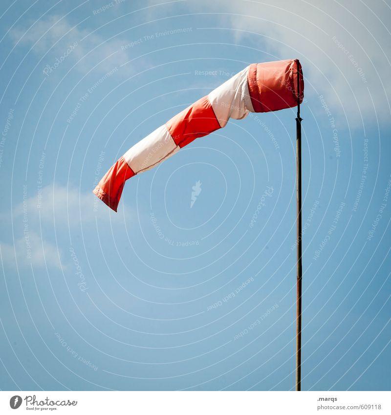 Wenn der Wind weht Natur Himmel Wolken Windsack Windrichtung Windgeschwindigkeit einfach Verkehr Farbfoto Außenaufnahme Menschenleer Textfreiraum links