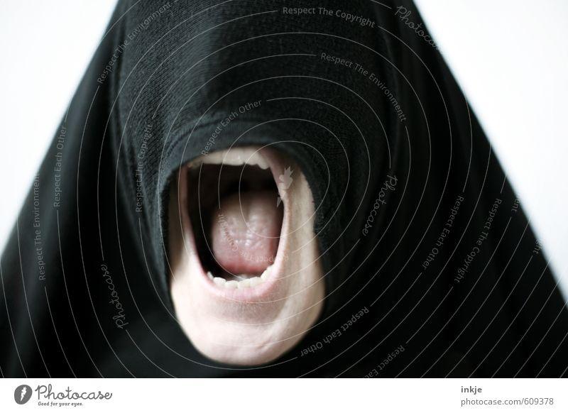 stumm | alles nur Fassade Lifestyle Stil Frau Erwachsene Leben Kopf Mund Zähne 1 Mensch Kopftuch Burka schreien Aggression bedrohlich gruselig rebellisch wild