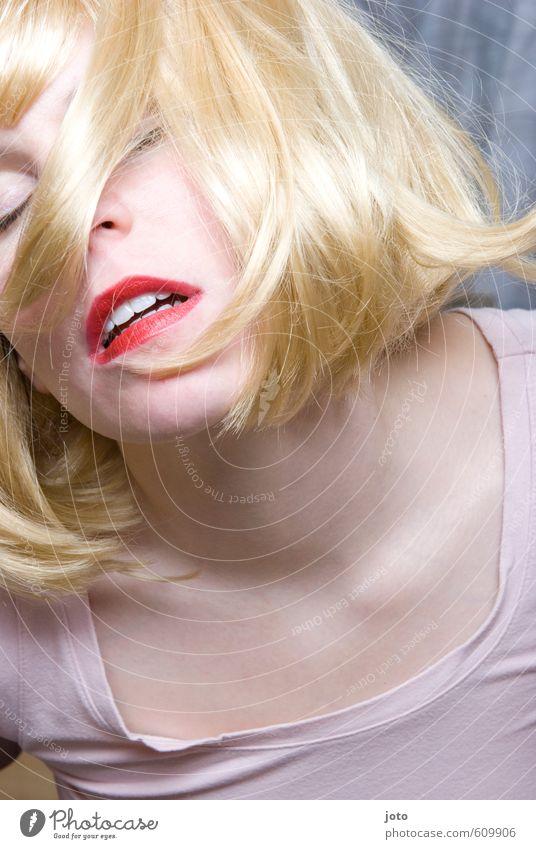 lips Erotik feminin Junge Feste & Feiern Party blond wild frei Tanzen verrückt Sex Lebensfreude Lippen Leidenschaft trashig Euphorie