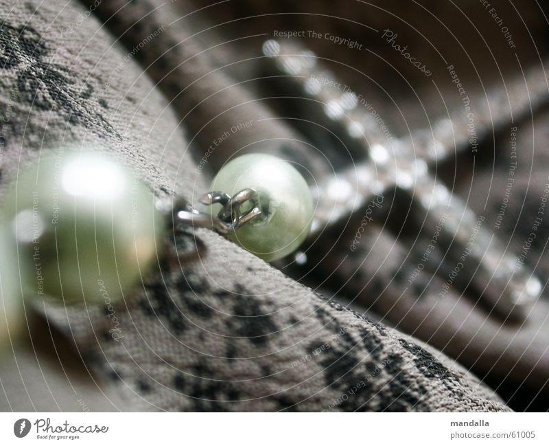 kreuz beige grün Unschärfe Muster diagonal Schmuck Religion & Glaube Kette Rücken Perle strass Makroaufnahme