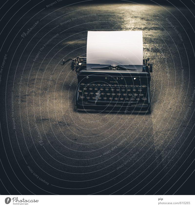 schriftersteller Schreibmaschine Beton alt schwarz Kreativität tastatur schreiben Schriftsteller Papier Buchseite blanko Bodenbelag antik Mechanik weiß