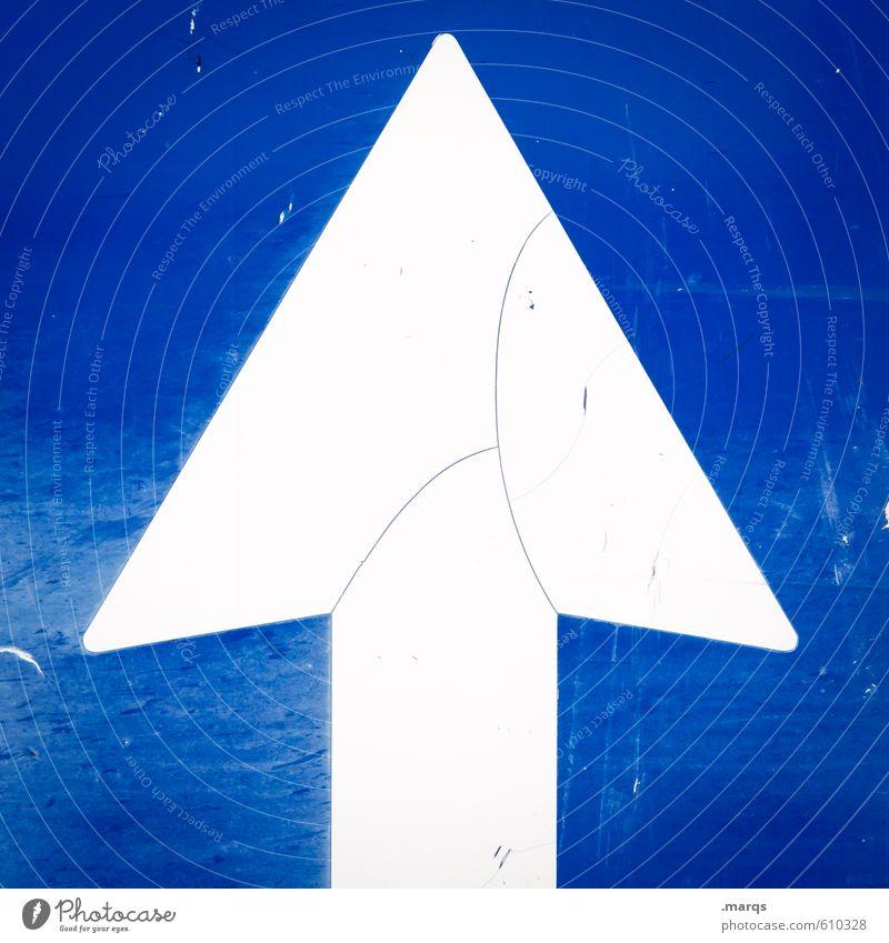 Aufstieg elegant Stil Design Karriere Erfolg Zeichen Verkehrszeichen Pfeil einfach oben blau weiß aufwärts Schilder & Markierungen Farbfoto Außenaufnahme