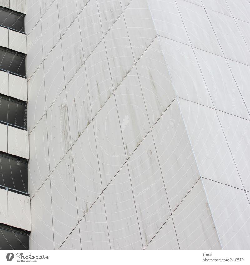Billsteeder Pladde Haus Hochhaus Bauwerk Architektur Mauer Wand Fassade Balkon Fenster Oberfläche Oberflächenstruktur Linie bedrohlich eckig kalt trist Stadt