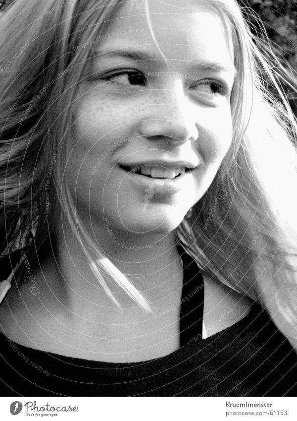 B&W Girl Mädchen Sonne Schwarzweißfoto lachen Haare & Frisuren blond