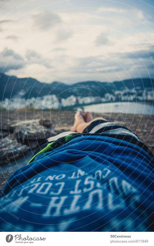 Einfach Abschalten Mensch Natur Ferien & Urlaub & Reisen Stadt Meer Einsamkeit Erholung ruhig Wolken Ferne Umwelt Freiheit Beine Fuß Wetter maskulin