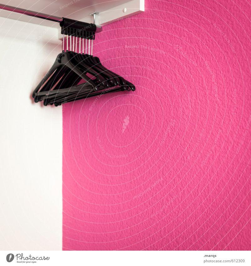 Ordnung Farbe weiß schwarz Stil rosa Häusliches Leben leer Bekleidung ästhetisch einfach sortieren Schlafzimmer aufhängen entkleiden Kleiderbügel