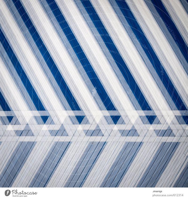 schräg elegant Stil Design Mauer Wand Holz Streifen außergewöhnlich trendy einzigartig modern blau weiß Farbe Kreativität verrückt Hintergrundbild