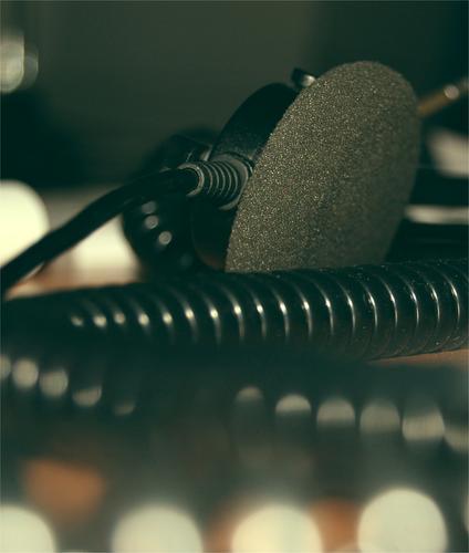 Bürowelt schwarz grau Arbeit & Erwerbstätigkeit Telefon Kabel Technik & Technologie Schnur Publikum Leitung Kopfhörer Callcenter Headset