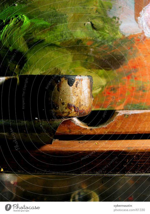 Farbtöpfchen grün Holz orange Metall Kunst streichen Staub Atelier Paletten Ölfarbe