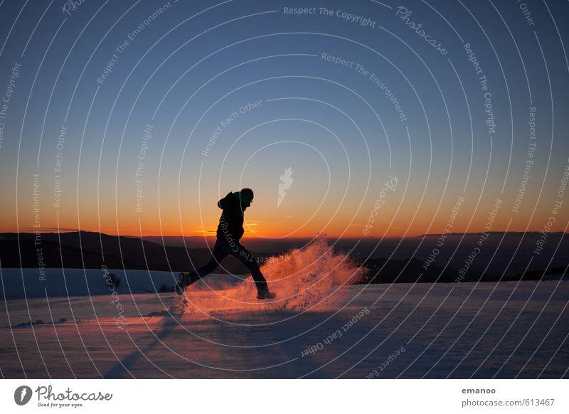 Winterläufer Mensch Himmel Ferien & Urlaub & Reisen Mann Landschaft Freude Winter Ferne Erwachsene Berge u. Gebirge Schnee Sport Freiheit springen Eis Körper