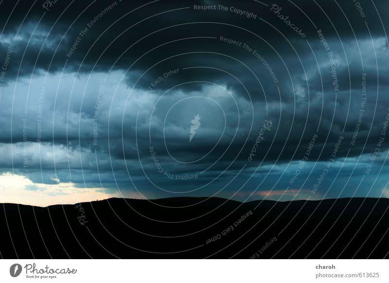 Unwetter Himmel Natur blau Landschaft Wolken schwarz Umwelt Berge u. Gebirge Herbst grau Luft Regen Wind Klima Urelemente