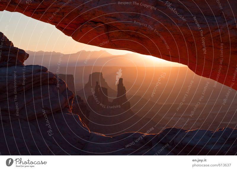 Im Fotografenhimmel Natur Ferien & Urlaub & Reisen Einsamkeit Landschaft ruhig Ferne außergewöhnlich Felsen Horizont orange Klima Abenteuer harmonisch Amerika Meditation Stars and Stripes