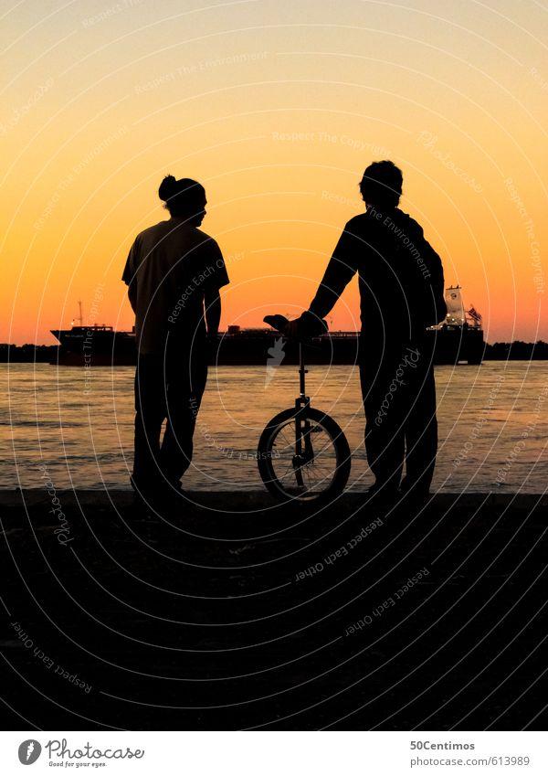 Silhouette am Fluss (mit Einrad) Freizeit & Hobby Einsamkeit Ferien & Urlaub & Reisen Ausflug Abenteuer Ferne Freiheit Sommer Strand Sport Fahrradfahren Mensch