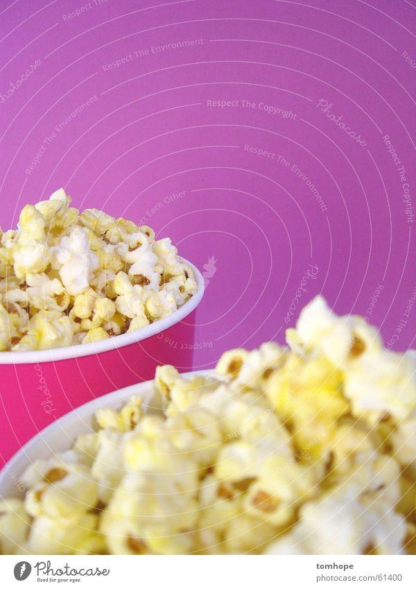 Pink Pop Popkorn Snack Kino rosa violett Freizeit & Hobby Ernährung Jahrmarkt Zucker süß salzig Becher Nahaufnahme Lebensmittel cinema Mais Salz Korn corn