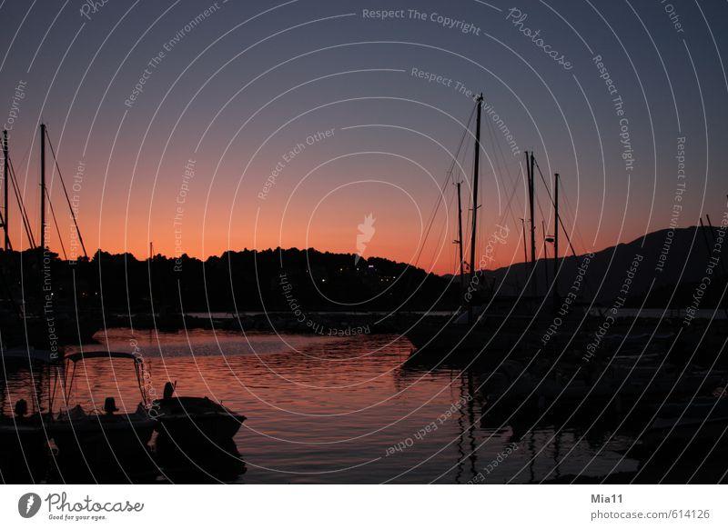 Hafenrot Sommerurlaub Meer Landschaft Wasser Himmel Sonnenaufgang Sonnenuntergang Küste Bucht blau schwarz ruhig Wasserfahrzeug Abenddämmerung Segelboot