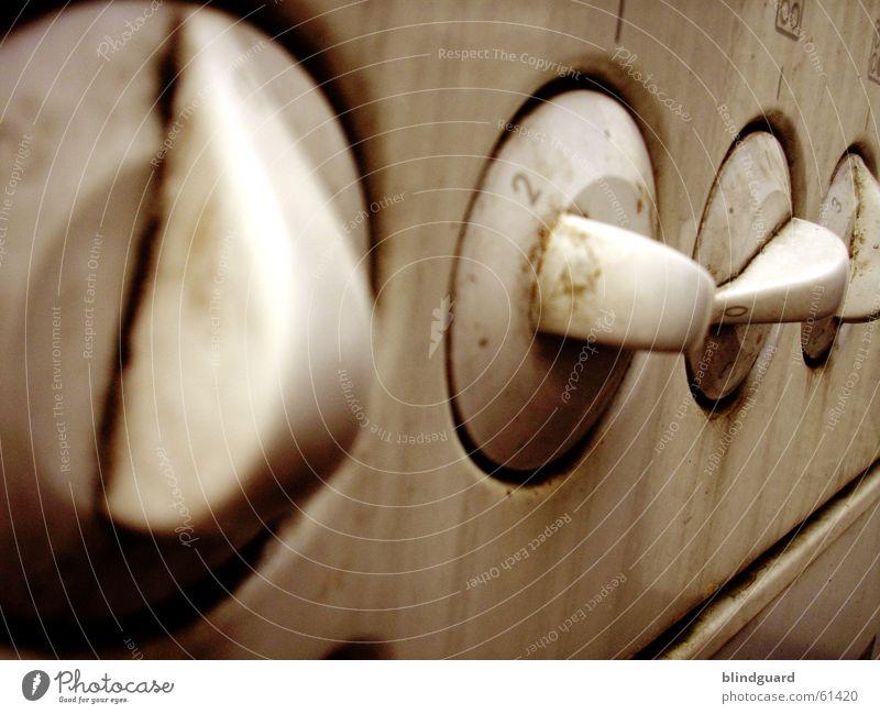 Get It Hot Schalter Drehschalter Herd & Backofen dreckig Küche drehknöpfe dust old ausrangiert kitchen cooking