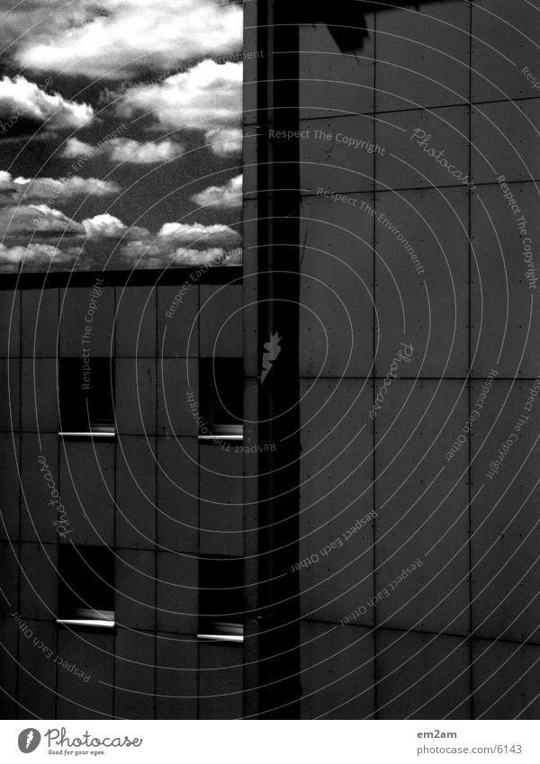 kontrast_REICH Himmel Wolken Fenster Architektur