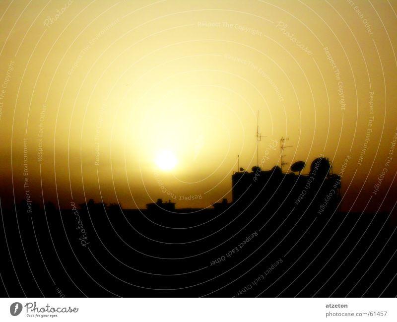 Sun go down Himmel Sommer Sonne dunkel gelb Wärme braun orange Sonnenbad Physik Abenddämmerung beige Antenne Funken nachsichtig Gran Canaria