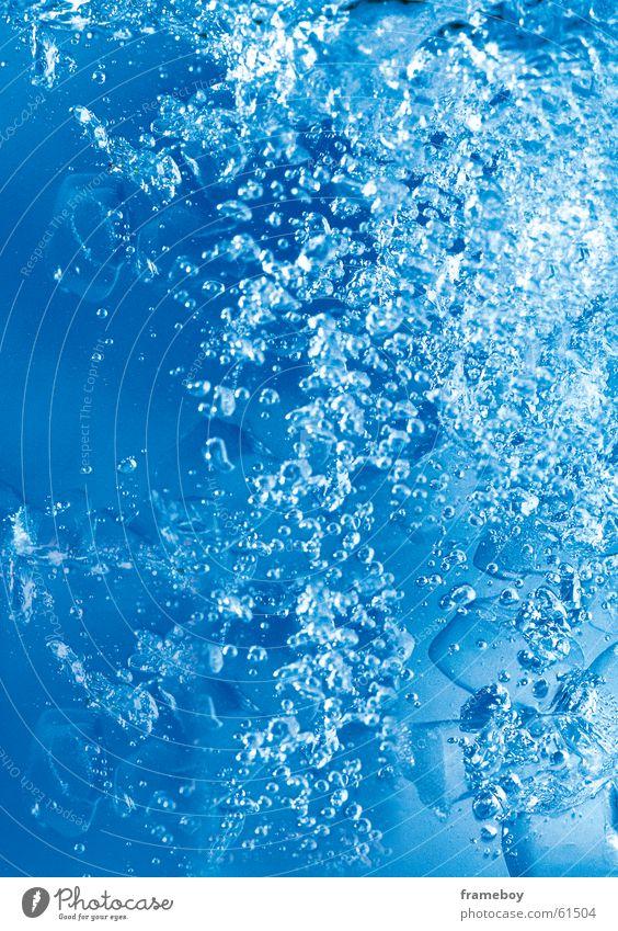 water Stillleben blue bubble
