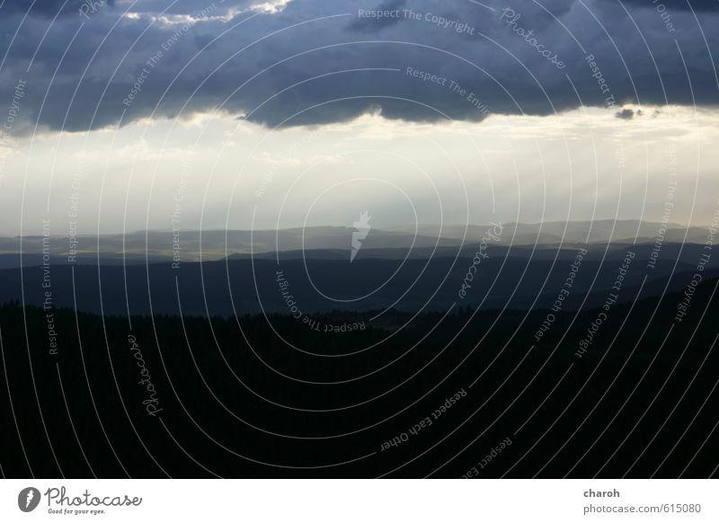 Schaurig Umwelt Natur Landschaft Urelemente Luft Wasser Himmel Wolken Gewitterwolken Sommer Klima Wetter schlechtes Wetter Unwetter Sturm Regen Berge u. Gebirge