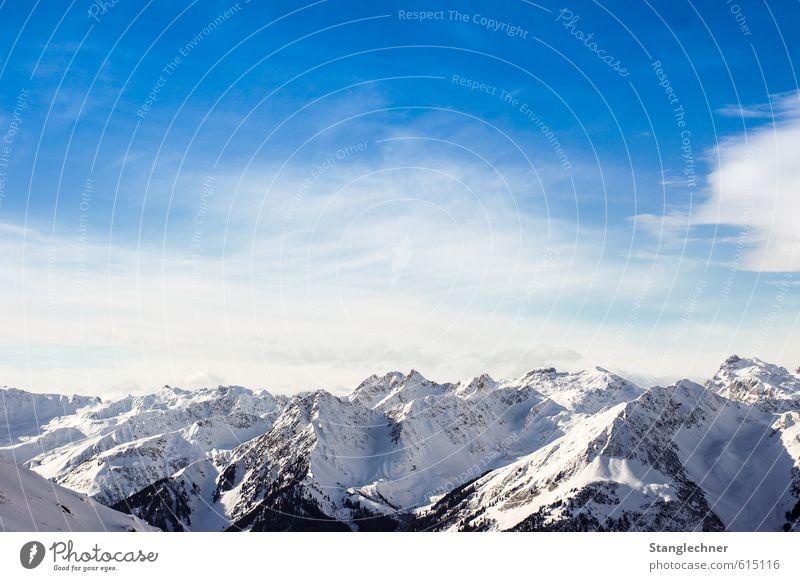 Mountain paradise Natur Landschaft Himmel Wolken Winter Klima Wind Eis Frost Schnee Baum Alpen Berge u. Gebirge Montafon Schneebedeckte Gipfel Ferne