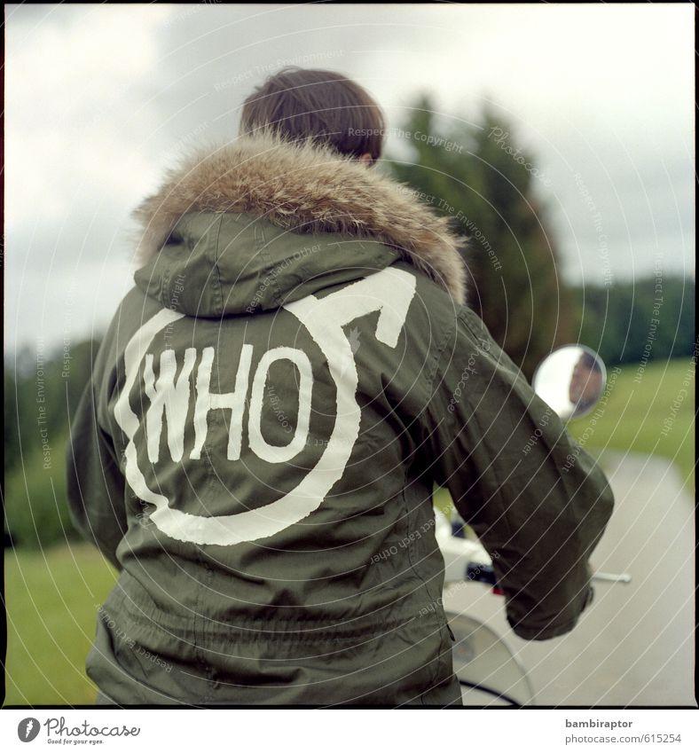 Who? The Modernist No. 2 Lifestyle Stil maskulin Junger Mann Jugendliche 1 Mensch 18-30 Jahre Erwachsene Verkehrsmittel Kleinmotorrad Jacke Fell fahren Coolness