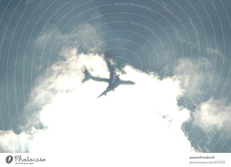 hinterm vorhang Wolken Flugzeug Schleier