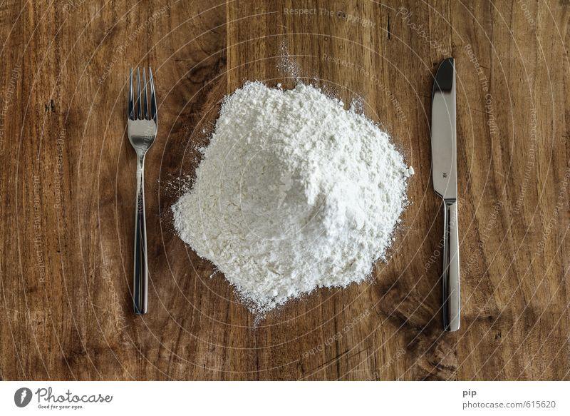 mehlspeise weiß Holz außergewöhnlich braun Lebensmittel Foodfotografie Ernährung Tisch Rauschmittel Messer Besteck Gabel Haufen Mehl Pulver Gedeck