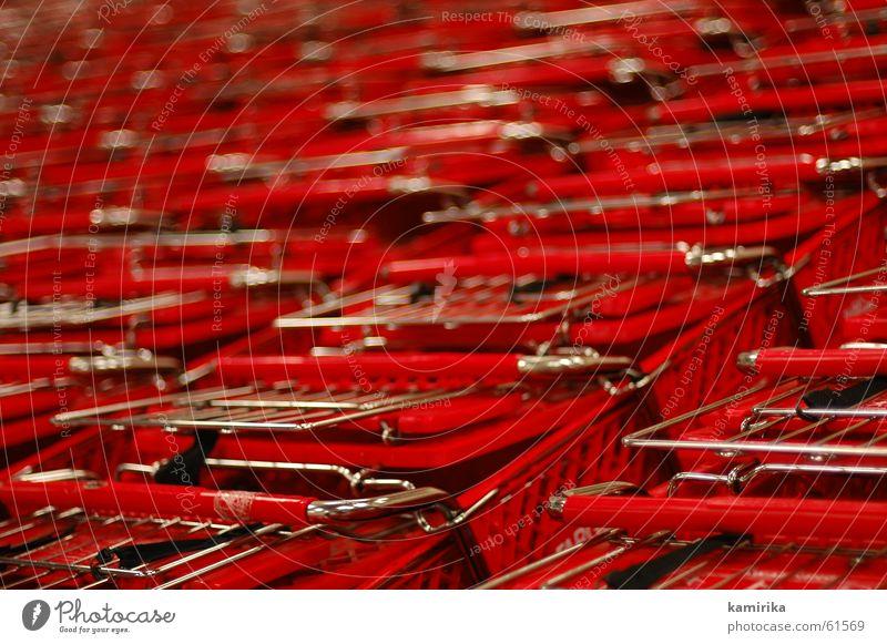 rotes konsumtool rot Meer Metall Markt fahren Kunststoff Stahl Ladengeschäft Statue bezahlen Management Lebensmittel Supermarkt Konsum Einkaufswagen Wagen