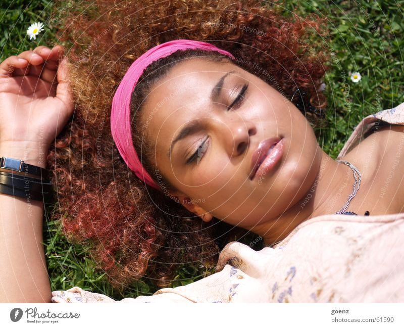 Tagtraum Frau schwarz Auge träumen braun schlafen Lippen Locken brünett Kuba Siesta Pause Mund Afroamerikaner