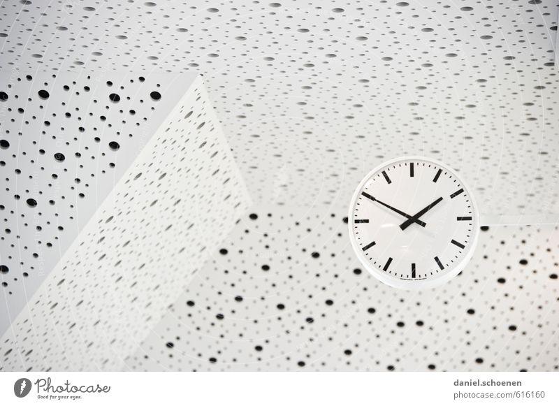gepunktete Zeit weiß schwarz hell Uhr Design