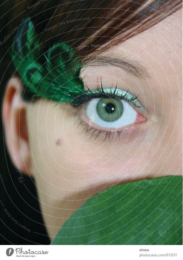 greeneyed girl grün Gesicht Auge Feder