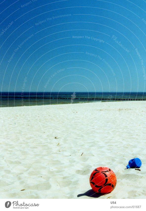Es wird Zeit.. Strand Sommer Meer Freude Himmel Sand Wasser