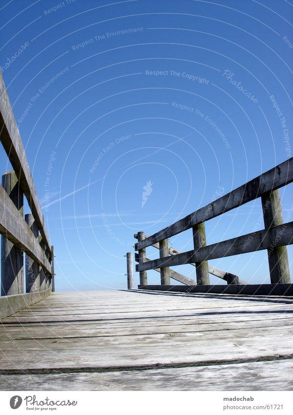 WEITER | zukunft weg jenseits leben hoffnung sehnsucht meer Himmel alt blau Wasser Meer Leben Architektur Wege & Pfade Tod Wasserfahrzeug Horizont leer Brücke