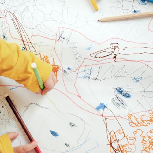 Bowser Freizeit & Hobby Spielen Basteln Kinderspiel Mensch Kleinkind Hand 1 1-3 Jahre 3-8 Jahre Kindheit Kunst Künstler Papier Schreibstift Spielzeug zeichnen