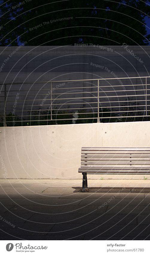 minimalistic Nacht Beton minimalistisch Bank Geländer