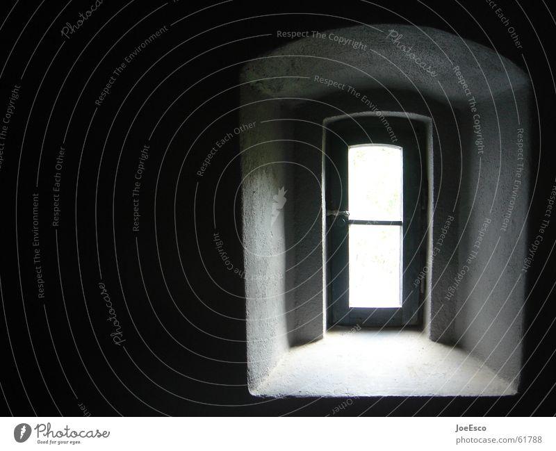 last exit weiß schwarz dunkel Stil Fenster Traurigkeit Tür Perspektive Zukunft Aussicht Turm vorwärts Tor Eingang Loch Flucht