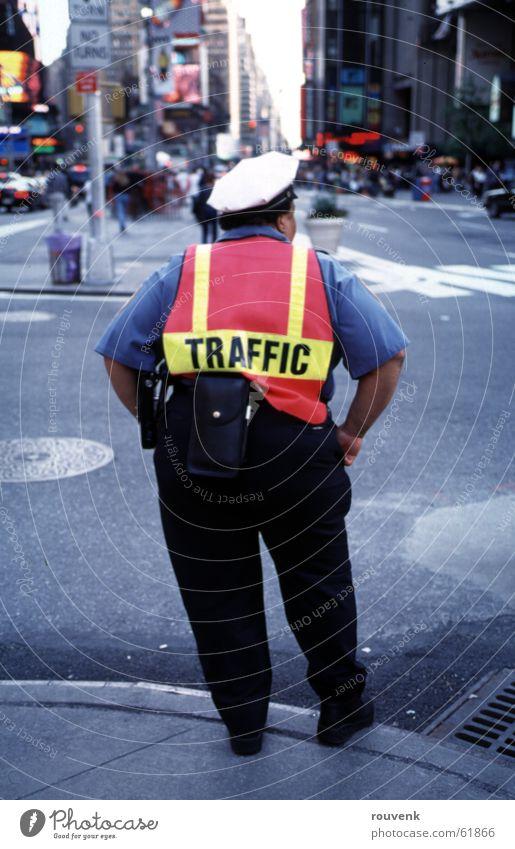 Traffic in NYC New York City Verkehr Frau Mischung Straße